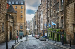 Edinburgh has been named as one of the top two UK cities outside of London to start a new business.